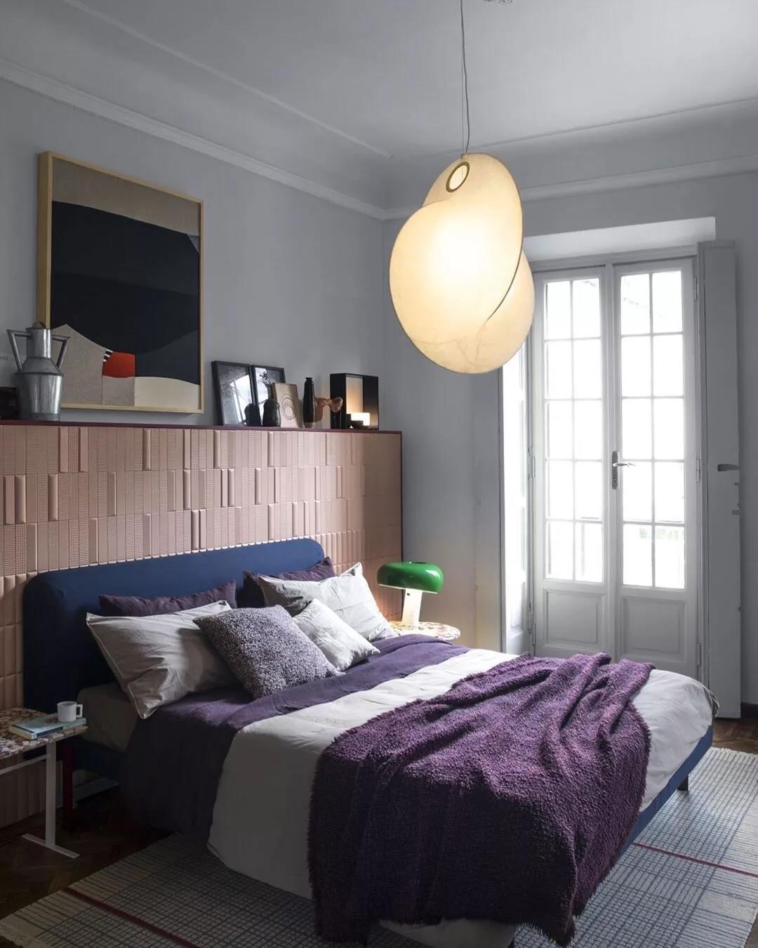 紫色被子臥室床